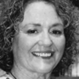 Elyse Fitzpatrick Headshot