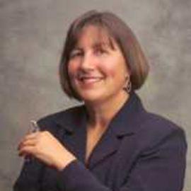 Kim Edwards Headshot