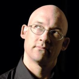Clay Shirky Headshot