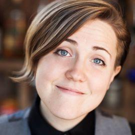 Hannah Hart Headshot