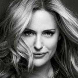Aimee Mullins Headshot
