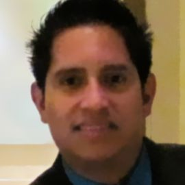 Roberto Alas Headshot