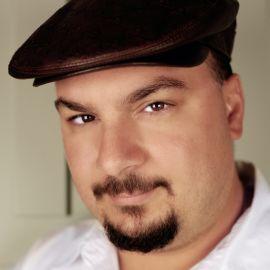 Anthony Zuiker Headshot