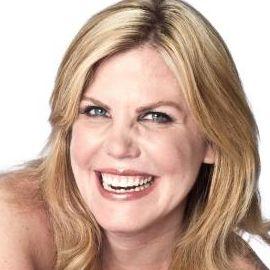 Chelsea Cain  Headshot