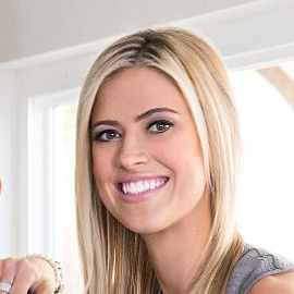 Tarek and Christina El Moussa Headshot