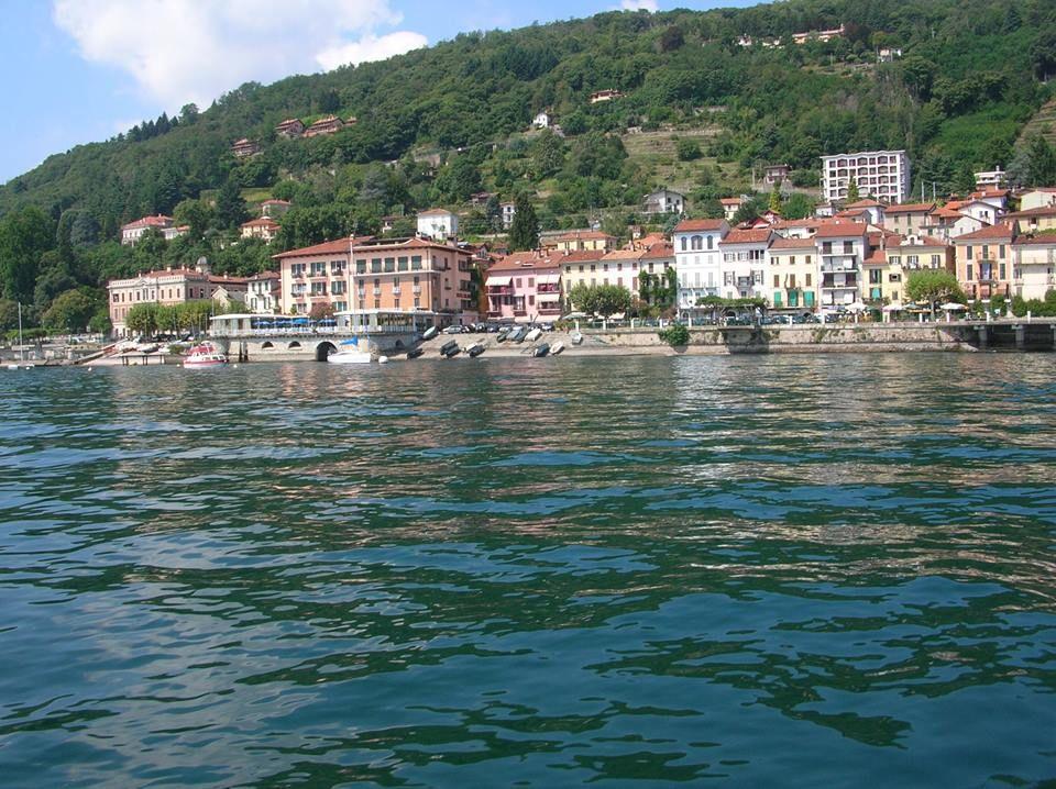 Belgirate affitti vacanze di case ville e appartamenti for Piccoli piani di casa sulla spiaggia su palafitte